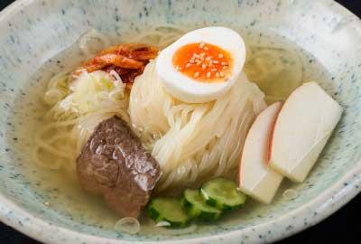 スープと麺にとことんこだわった冷麺