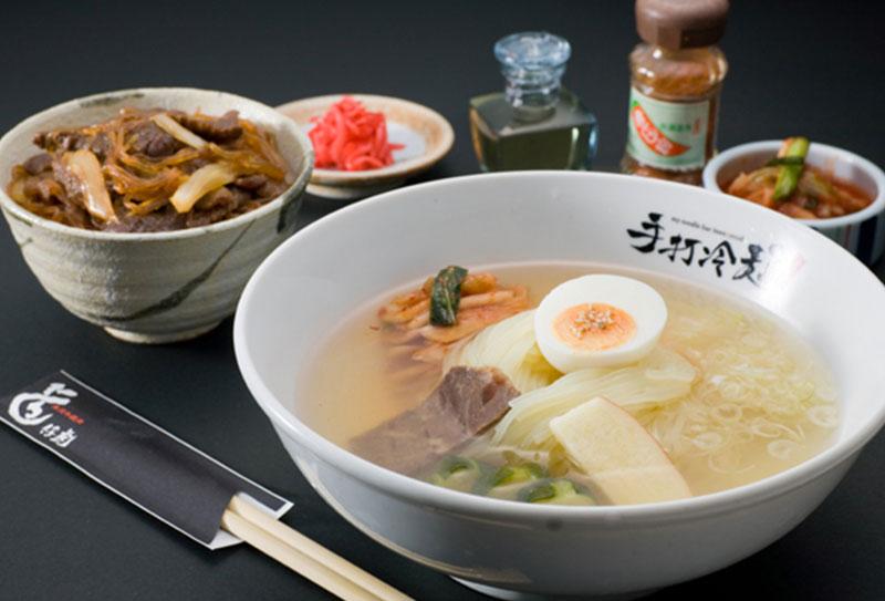 手打ち冷麺と本日のミニ丼セット
